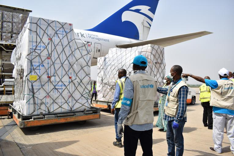 On 16 April 2020 in Nigeria, UNICEF received a delivery of vital health supplies to support the fight against the COVID-19 pandemic via a flight funded by the Maersk Division APM Terminals.